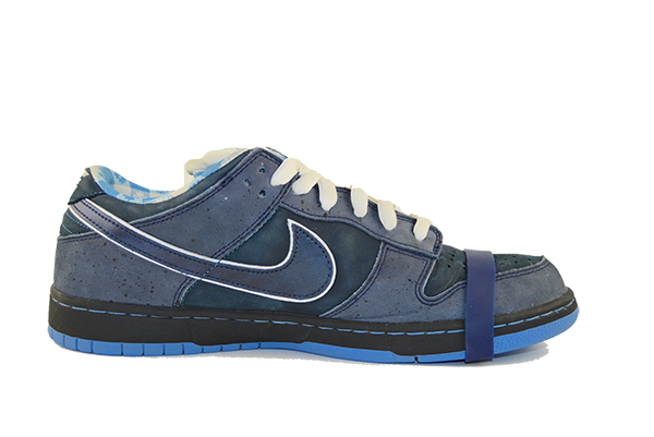 premium selection 8002f 003a7 ... Nike SB Dunk Low