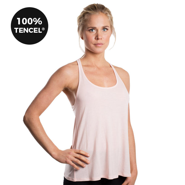Drop of Mindfulness Cabrini Lightfit Racerback Light Pink Workout Tencel Camiseta Deportiva Suelta Rosa Claro Yoga