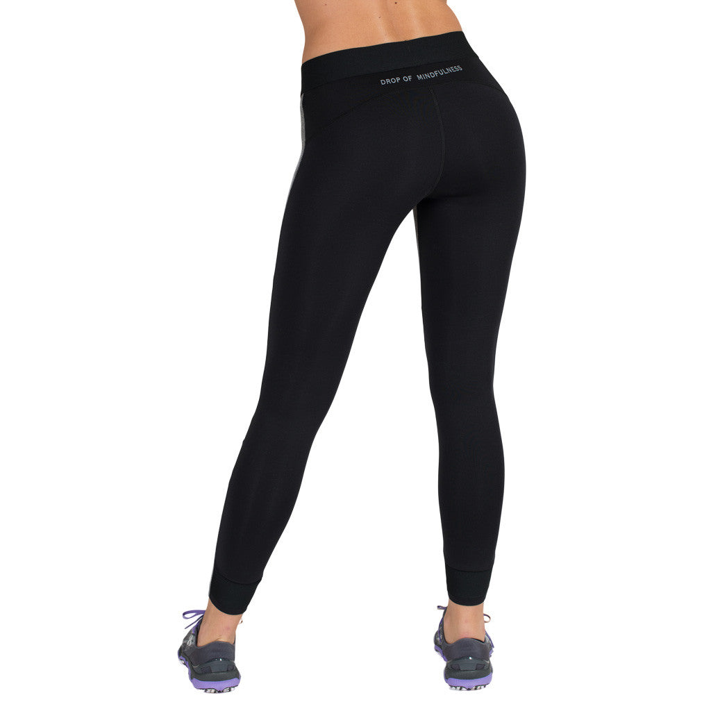 Drop of Mindfulness Eclipse Fitness Legging Grey Black Mesh On Knees Mallas De Running Con Transparencias