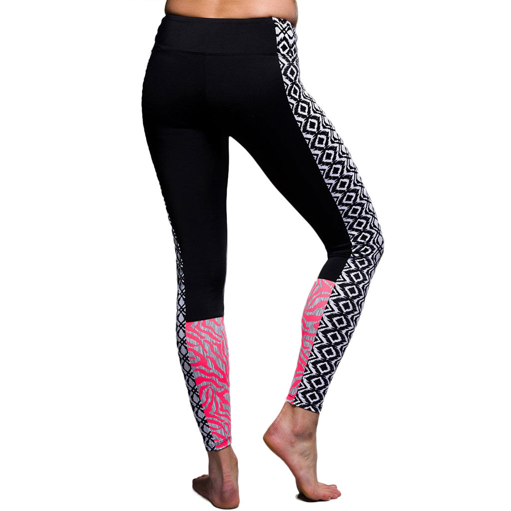 Onzie Block Legging Black Diamond Combo Mallas Largas de yoga Coral Negro Estampado