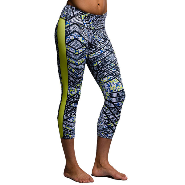 Onzie Graphic Capri Mixer Mixings Mallas de Yoga Estampado Back