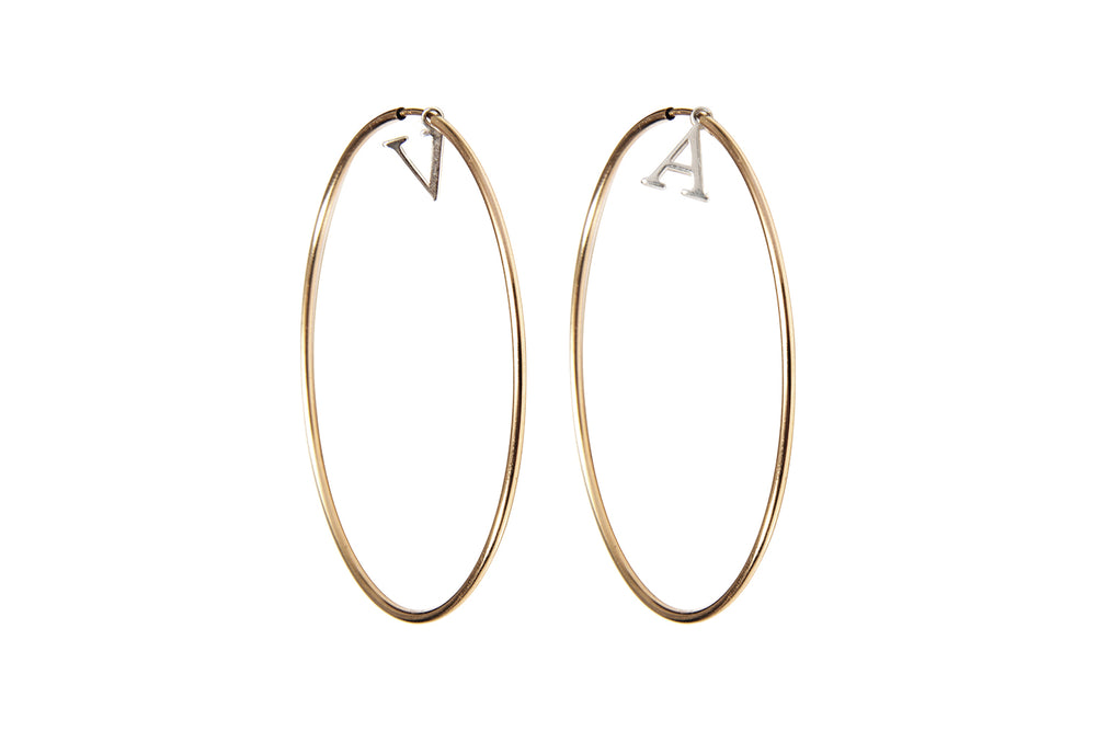 INITIAL HOOPS  - Creole mit Initialen -  Gold/ Silber - CLASSYANDFABULOUS JEWELRY