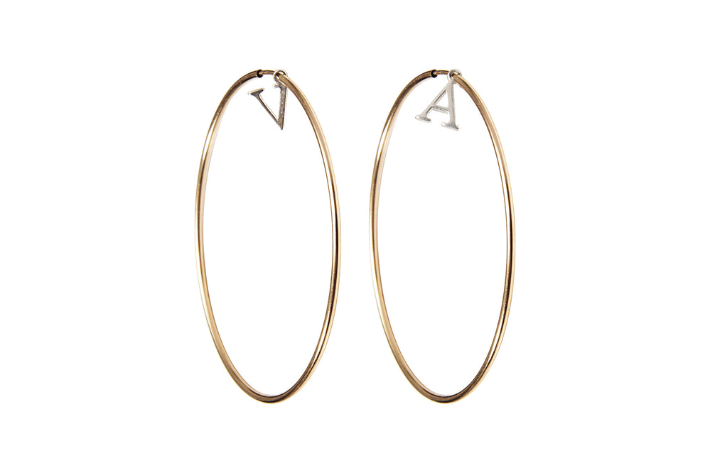 INITIAL HOOPS  - Creole mit Initialen -  Gold - CLASSYANDFABULOUS JEWELRY