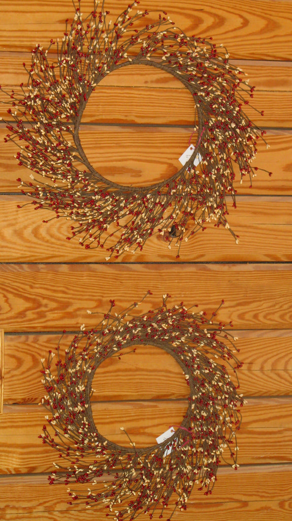 "9"" Pip Berry Wreath"