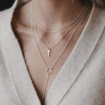circle and bar lariat necklace
