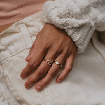wave eternity ring on body}