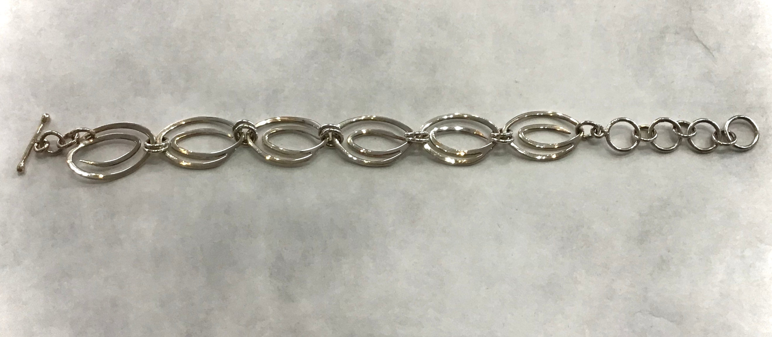 Sterling Silver Double Oval Bracelet  (F27).   USE CODE: SAVE50 for additional savings.