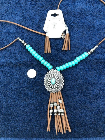 Concho nexpcklace with simulated turquoise
