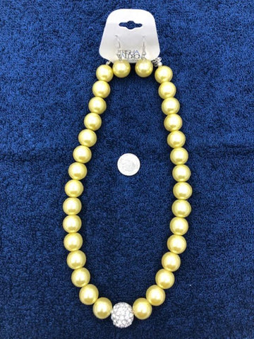 Yellow bead necklace with matching earrings