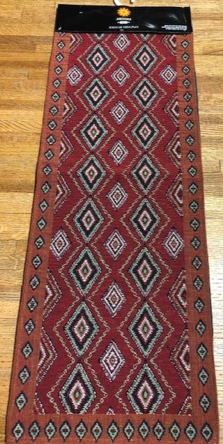 Table runner in cotton blend with diamond designs
