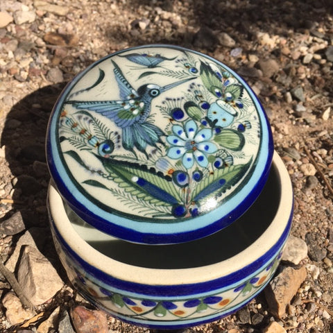 blue rim round box with lid