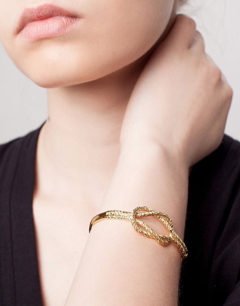 KNOT cuff - Ruby Star