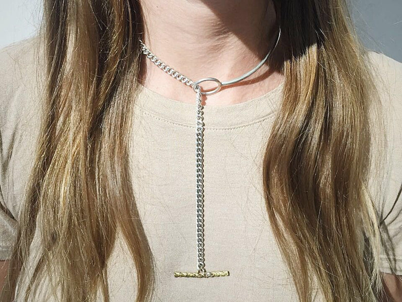 BAR LOOP NECKLACE