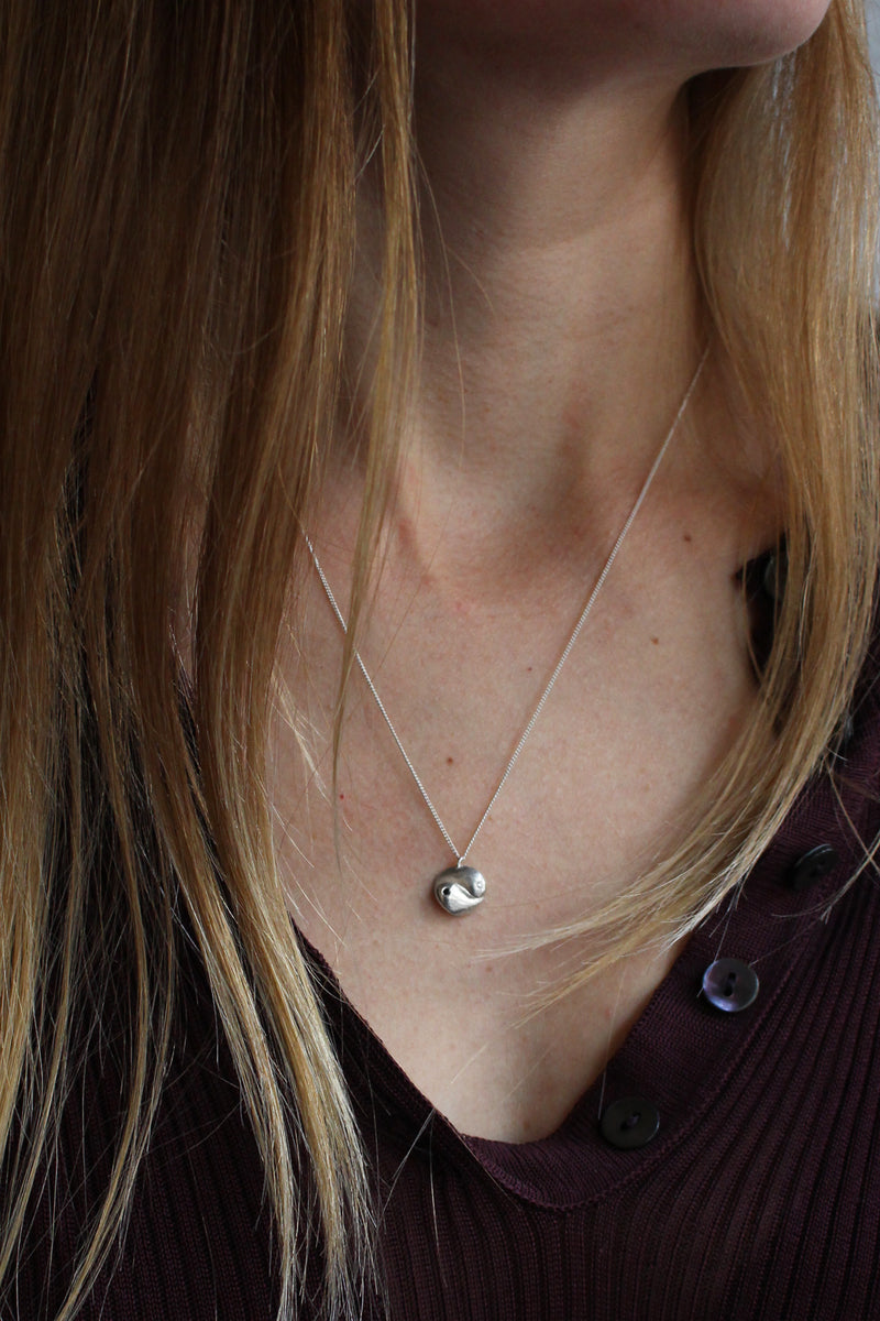 SILVER / GOLD PLATED YIN YANG NECKLACE