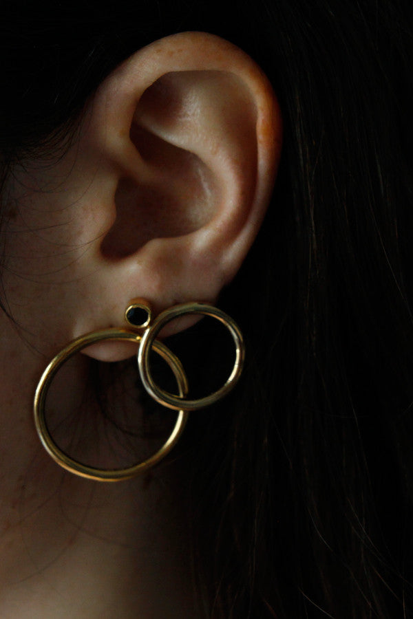 SMALL GOLD CIRCLE EARRINGS