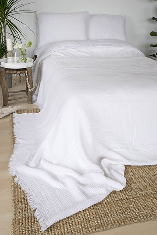 Coco Throw - White, TAMA