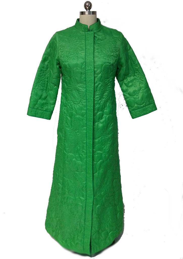 VINTAGE LATE '60s GOLDWATER'S QUILTED ROBE FROM HONG KONG IN BANANA LEAF