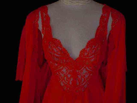 RARE OLGA RAVISHING RED ALL LACE BODICE NIGHTGOWN WITH CRYSTAL PLEATED SLEEVES PEIGNOIR