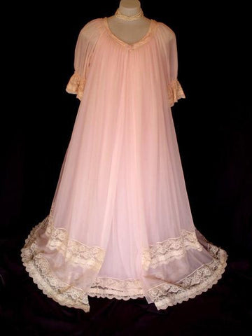 EXQUISITE VINTAGE MISS ELAINE DUCHESS PINK LACE & RIBBON DOUBLE NYLON PEIGNOIR & NIGHTGOWN SET - NEW WITH TAG