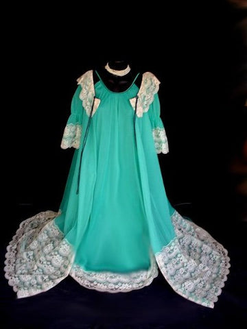 FROM MY OWN PERSONAL COLLECTION - RARE, RARE VINTAGE INTIME ORIENTAL JADE  DOUBLE NYLON & LACE PEIGNOIR & NIGHTGOWN SET