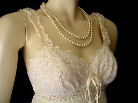 "VINTAGE OLGA ""SLEEPING PRETTY"" LACE BRA NIGHTGOWN IN SWEET CREAM"