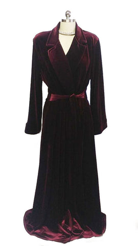 NEW - DIAMOND TEA LUXURIOUS WRAP-STYLE VELVET VELOUR ROBE IN CLARET  - SIZE EXTRA LARGE - I ONLY HAVE 1 ROBE IN THIS SIZE AND COLOR  - WOULD MAKE A WONDERFUL GIFT!