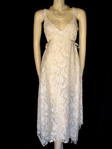 NEW WITH TAG FROM NEIMAN MARCUS - EXQUISITE & RARE CLAIRE PETTIBONE BRIDAL TROUSSSEAU LACE NIGHTGOWN