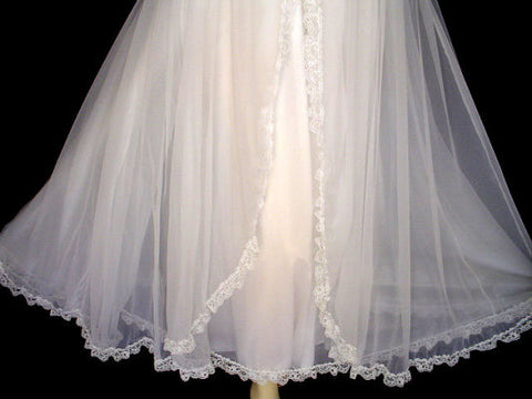 VINTAGE TOSCA WHITE LACEY FAIRY PRINCESS BRIDAL TROUSSEAU PEIGNOIR & NIGHTGOWN SET
