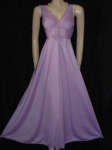 VINTAGE OLGA BODYSILK LACE & SPANDEX BODICE NIGHTGOWN IN RARE COLOR OF LILAC