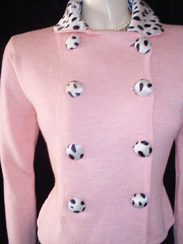 BEAUTIFUL ZANG TOI PINK SWEATER ADORNED WITH BLACK DOT DOME BUTTONS