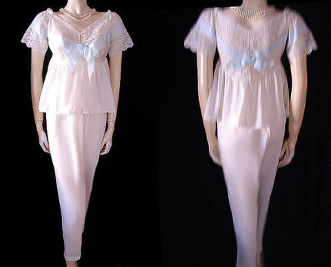 "VINTAGE EYE FUL BY THE ""FLAUMS"" LACE & BLUE SATIN RIBBON PAJAMAS - NEW OLD STOCK"