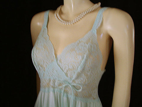 VINTAGE OLGA RARE BODYLACE SPANDEX NIGHTGOWN IN MORNING GLORY - SIZE LARGE