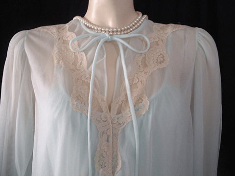 VINTAGE INTIME DOUBLE NYLON IVORY LACE PEIGNOIR & NIGHTGOWN SET IN LAGOON