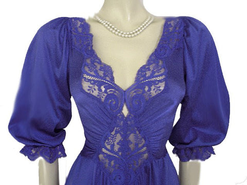 RARE STYLE VINTAGE OLGA SPANDEX LACE NIGHTGOWN WITH SLEEVES IN BACHELOR BUTTON  - SIZE SMALL