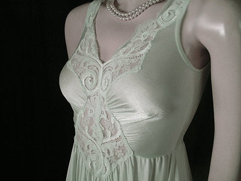 VINTAGE OLGA SPANDEX LACE NIGHTGOWN IN RARE SHADE OF WINTERGREEN - GRAND SWEEP OF 15 FEET