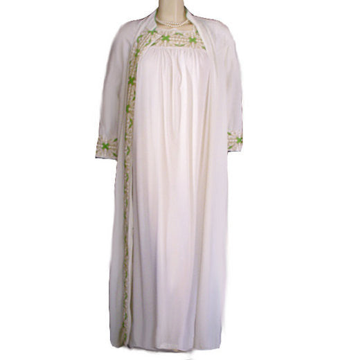 VINTAGE RADCLIFF LIME & GOLD EMBROIDERED PEIGNOIR & NIGHTGOWN SET IN MAGNOLIA