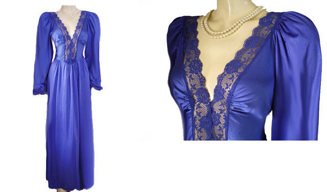 VINTAGE OLGA-LOOK LADY CAMEO SPANDEX LACE NIGHTGOWN WITH SLEEVES IN COLONIAL BLUE - SIZE MEDIUM