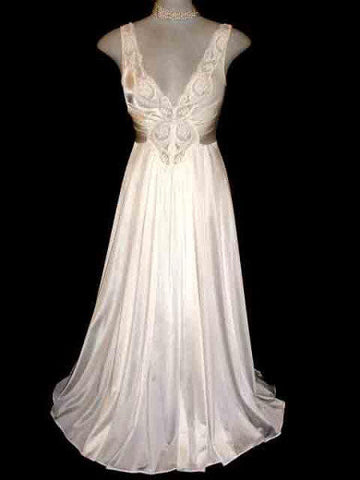 VINTAGE OLGA LACE SPANDEX BRIDAL TROUSSEAU NIGHTGOWN IN LUSTROUS IVORY PEARL- SIZE LARGE