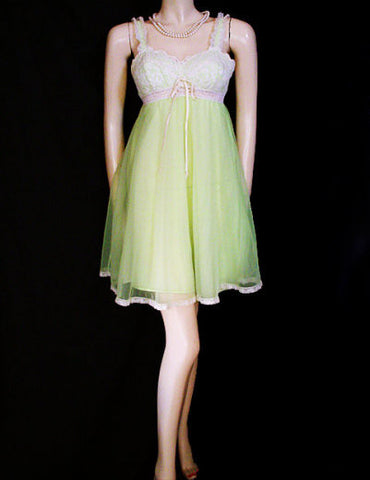 "VINTAGE RARE COLOR OLGA LACE BUILT-IN BRA DOUBLE NYLON ""SLEEPING PRETTY"" NIGHTGOWN IN LIMEADE"
