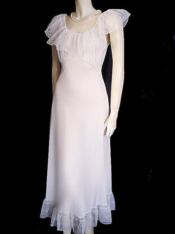 MG1290 - #2 - SOLD - VINTAGE VICTORIAN-LOOK VAN RAALTE BRIDAL TROUSSEAU NIGHTGOWN WITH HUGE LACE COLLAR & FLOUNCE WITH FABULOUS COBWEB LACE