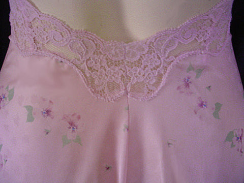 VINTAGE MISS ELAINE LACE NIGHTGOWN WITH LOW BACK ADORNED WITH PANSIES