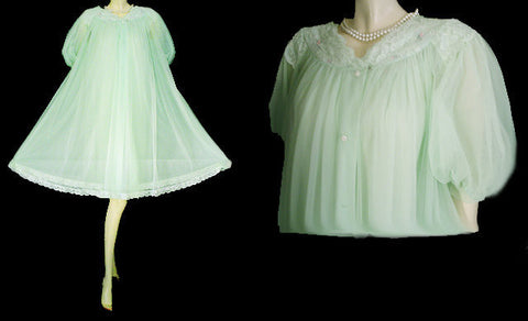 VINTAGE RARE COLOR SHADOWLINE EMBROIDERED APPLIQUES &  LACE PEIGNOIR & NIGHTGOWN SET IN SEA SPRAY