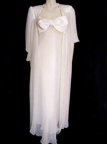 WESTMINISTER LACE GLEAMING SATIN & CHIFFON BRIDAL TROUSSEAU PEIGNOIR & NIGHTGOWN SET ADORNED WITH A HUGE FOOT-LONG SATIN BOW