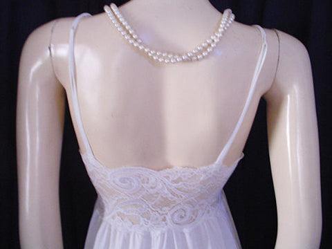 RARE VINTAGE OLGA SHEER NYLON & SPANDEX LACE UNDERWIRE BRA NIGHTGOWN IN ANGEL WHITE - SIZE SMALL