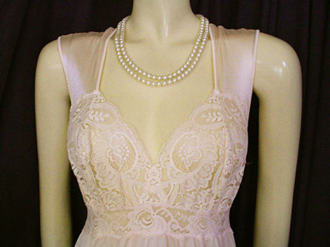 VINTAGE OLGA RARE STYLE SPANDEX LACE NIGHTGOWN IN ROMANCE - SIZE XL