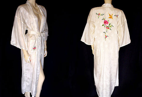 VINTAGE GOLDEN BEE ORIENTAL ASIAN JACQUARD PEIGNOIR WITH EMBROIDERED BIRDS & FLOWERS