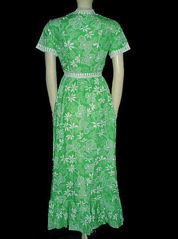 VINTAGE EVELYN PEARSON DRESSING GOWN ROBE IN LUCITE GREEN & WHITE - NEW WITH TAG