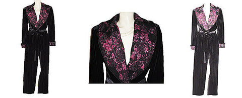 NEW - GORGEOUS DIAMOND TEA LUXURIOUS WRAP-STYLE SPANDEX VELVET VELOUR ROBE IN CLASSIC BLACK WITH PINK ROSES BROCADE COLLAR - SIZE LARGE - WOULD MAKE A WONDERFUL GIFT
