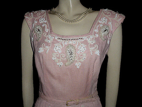 FROM MY OWN PERSONAL COLLECTION - GORGEOUS VINTAGE BEADED, RHINESTONE & SOUTACHE EVENING DRESS WITH METAL ZIPPER IN MOVIE STAR PINK