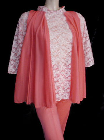 ADORABLE VINTAGE '50s VANITY FAIR-LOOK VERY FULL SWING TOP PAJAMA SET WITH WHITE LACE-TRIMMED CAPRIS IN TROPICAL MANGO